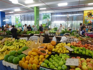 things to do in cairns - live in cairns - rusty's markets pciture-2
